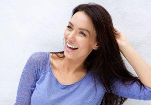 Caso de giroversión dental corregido con Invisalign Comprehensive